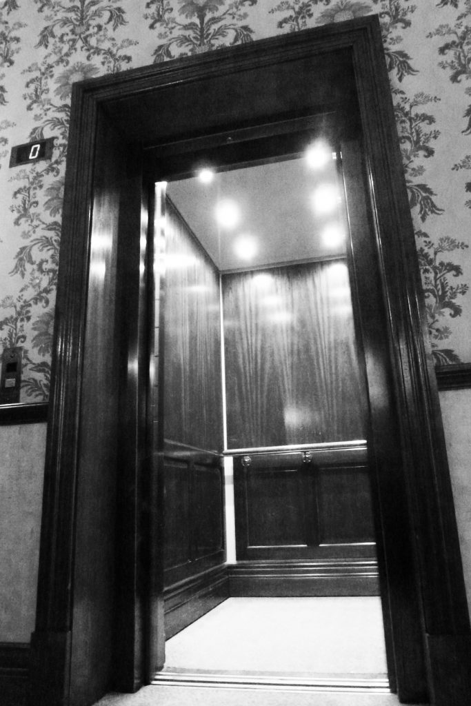 VERTICAL THUMB x3 1080 X 1620px-HERITAGE LIFT EXT-1